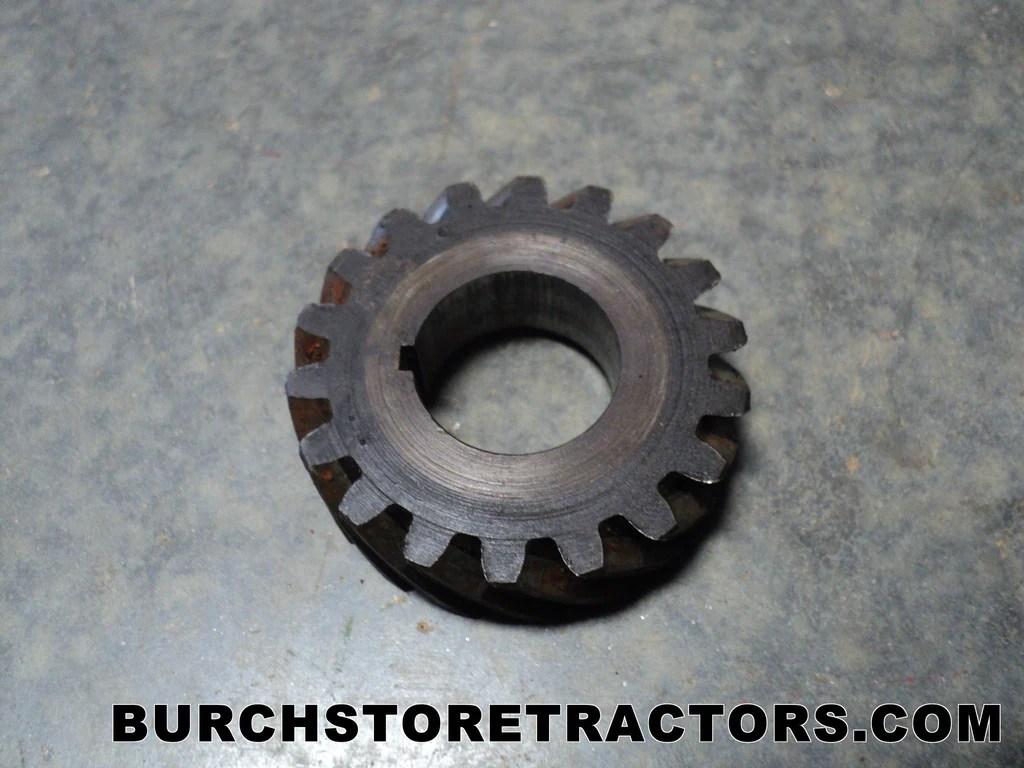 hight resolution of farmall cub tractor crankshaft drive gear