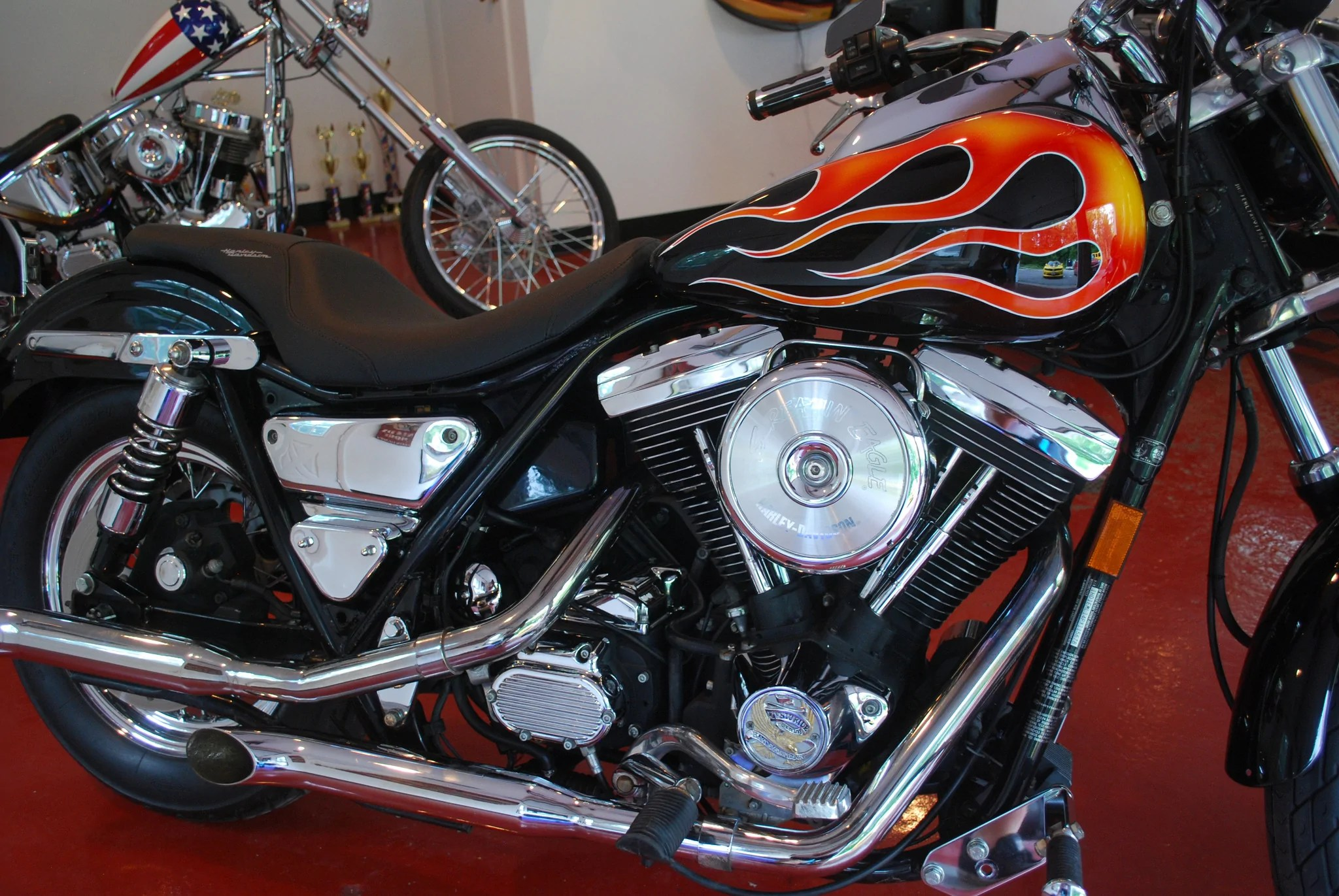 Harley Davidson Fxr With Flames - -twins -8s