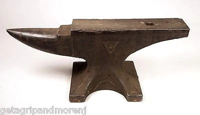 Antique COLUMBIAN Anvil 19051927 120 Lbs Good Condition