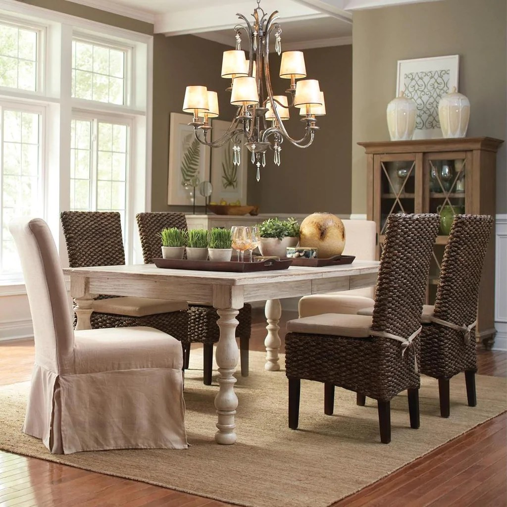 Aberdeen Dining Table And Chairs By Riverside Furniture