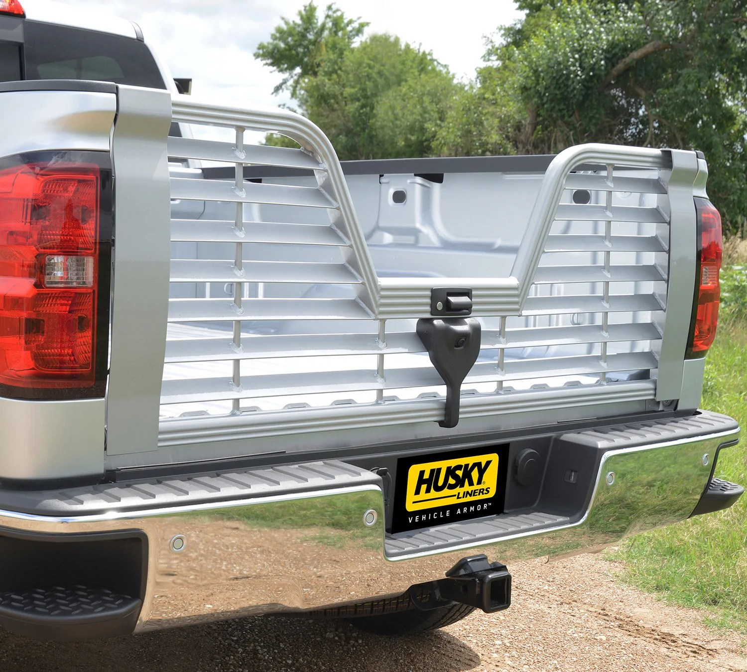 husky liners 5th wheel tailgate for 2015 chevrolet silverado 3500 hd l tonneaucovered com [ 1500 x 1349 Pixel ]
