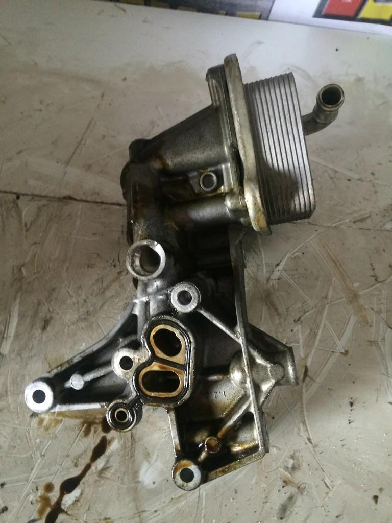 2011 cbz audi volkswagen skoda seat 1 2 tsi petrol engine oil cooler 03f145749b 03f903143h  [ 768 x 1024 Pixel ]