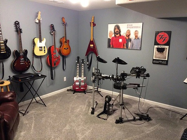A Guitargrip Is An Ultra Cool Music Room Decor Addition