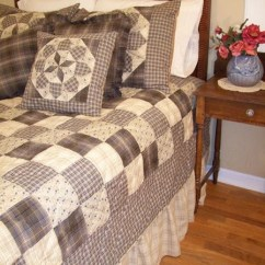 Round Kitchen Table Sets Walnut Island Clementine Handcrafted Quilt Set   Retro Barn Country Linens
