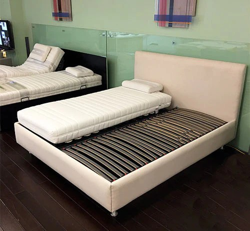axel bloom sofa hickory chair quality bed frames sofas collection showroom model custom austroflex frame 65 off msrp