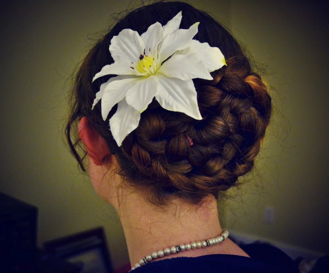 7 classy women's hairstyles for oktoberfest
