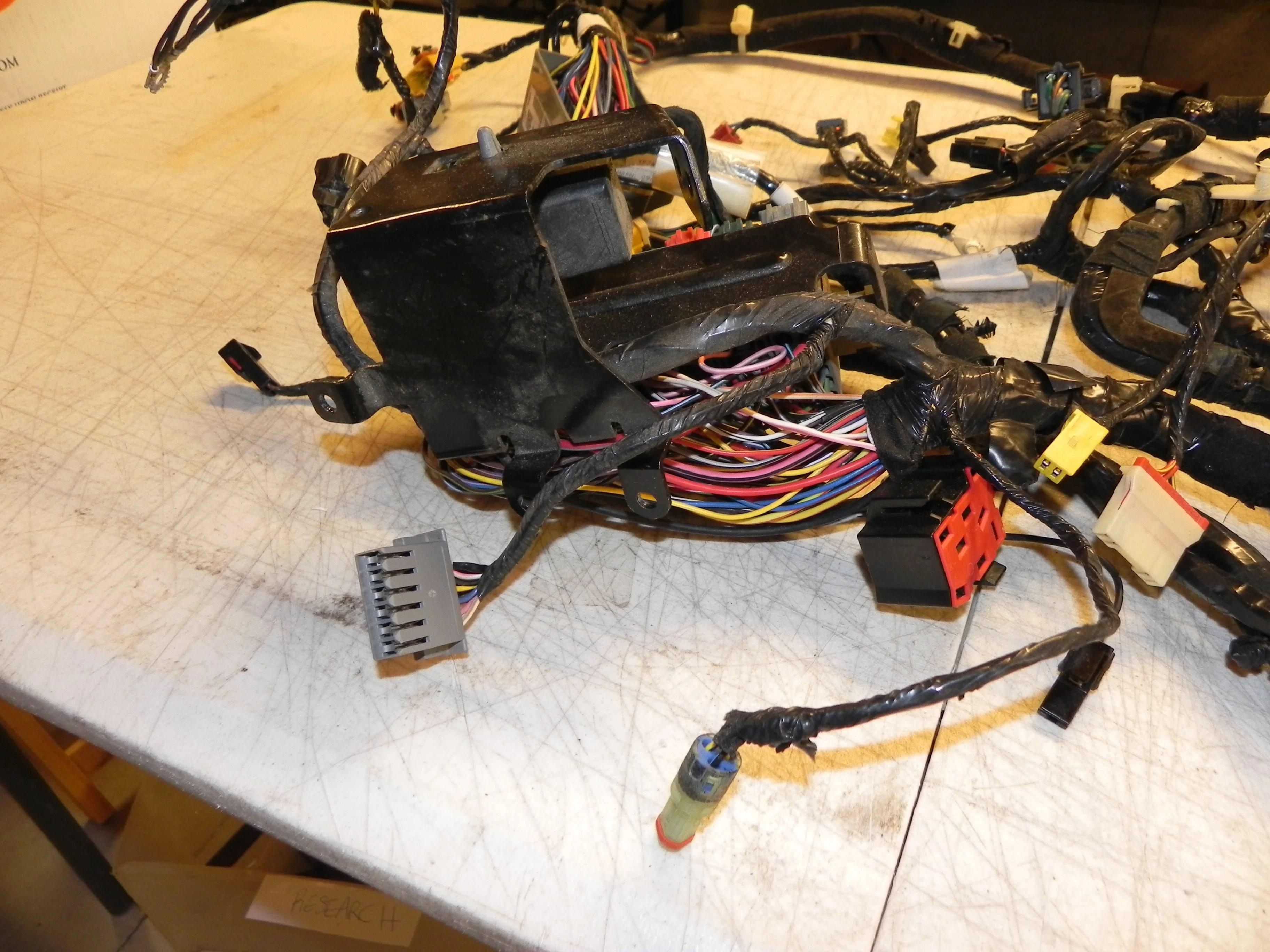 small resolution of jeep wrangler tj interior under dash wiring harness fuse box jeep wrangler tj interior under dash
