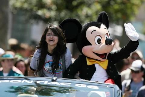 Selena Gomez Take Break For Lupus