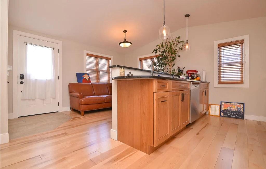 White Kitchen Vs Wood