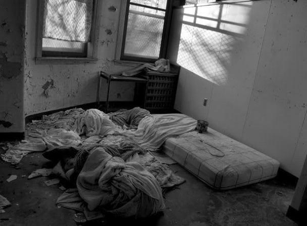 Top 10 Creepy Tales From Deserted Psychotic Asylum Cemeteries