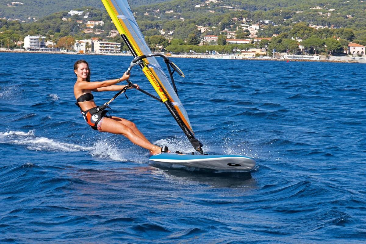 Windsurfing Lesson – Surf Connect Australia