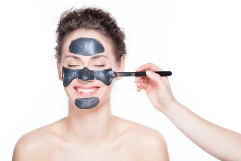 charcoal face mask peel