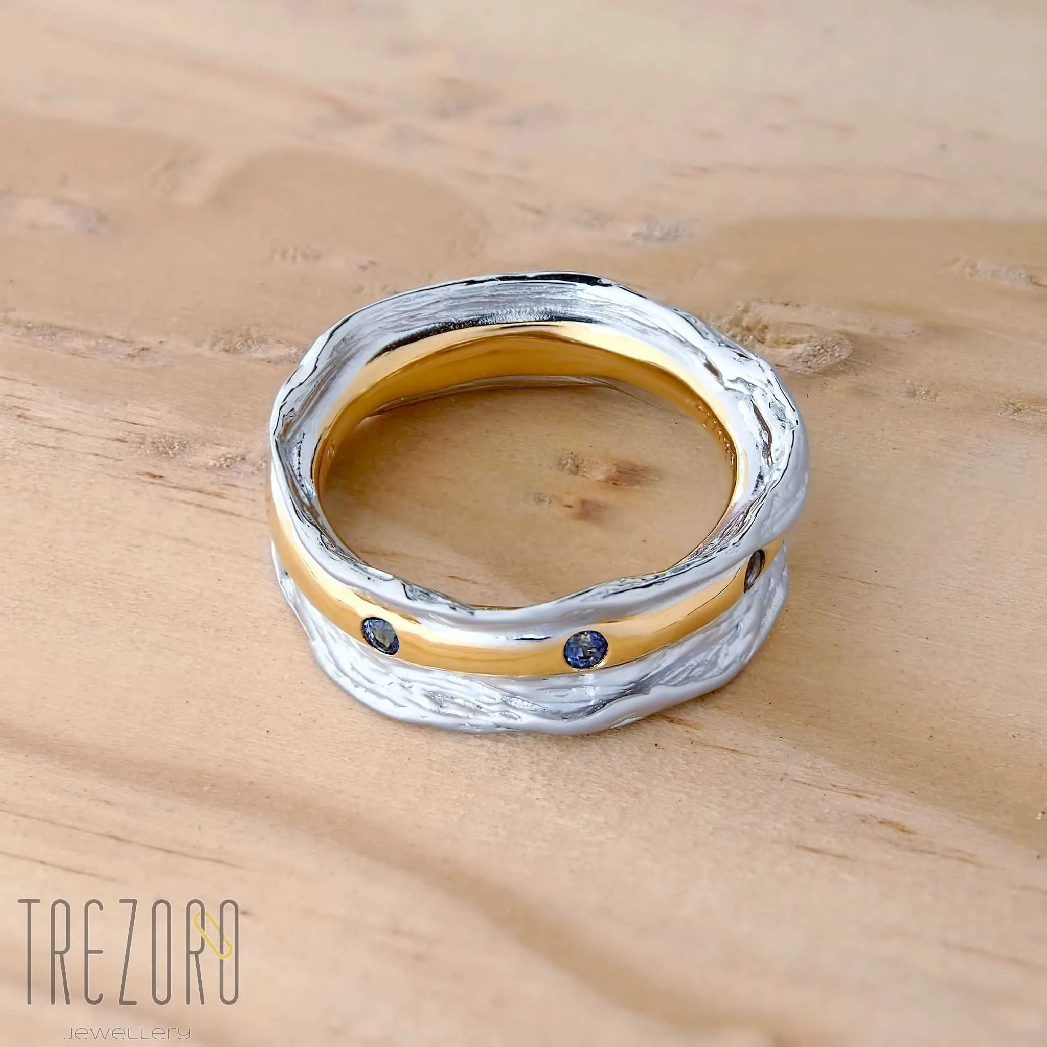 Queen' Message Ring Trezoro Jewellery
