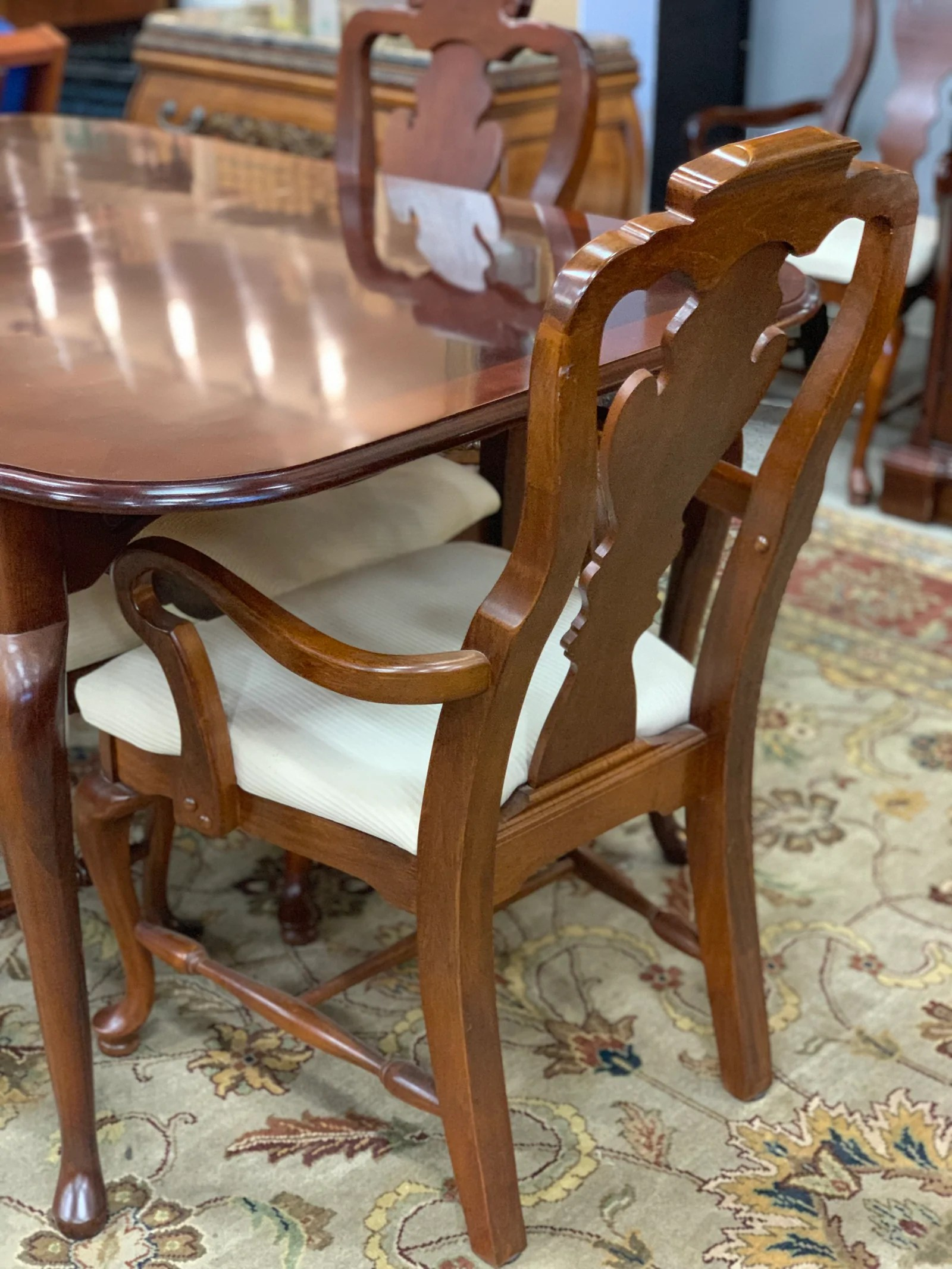Dining Table 8 Chairs Bassett Table 8 Chairs And China Cabinet