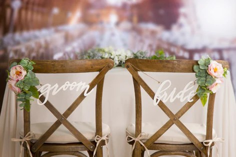 wedding bride and groom chairs 4 chair patio set mr mrs signs script