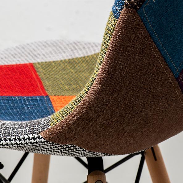 eames chaise en tissu style patchwork