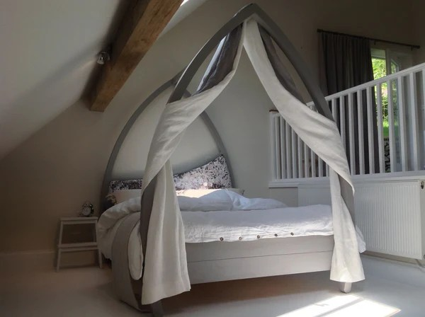 Contemporary Four Poster Bed With Upholstered Headboard Abowed