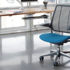 Diffrient Smart Chair In Pool Chairs Humanscale Stand While Working