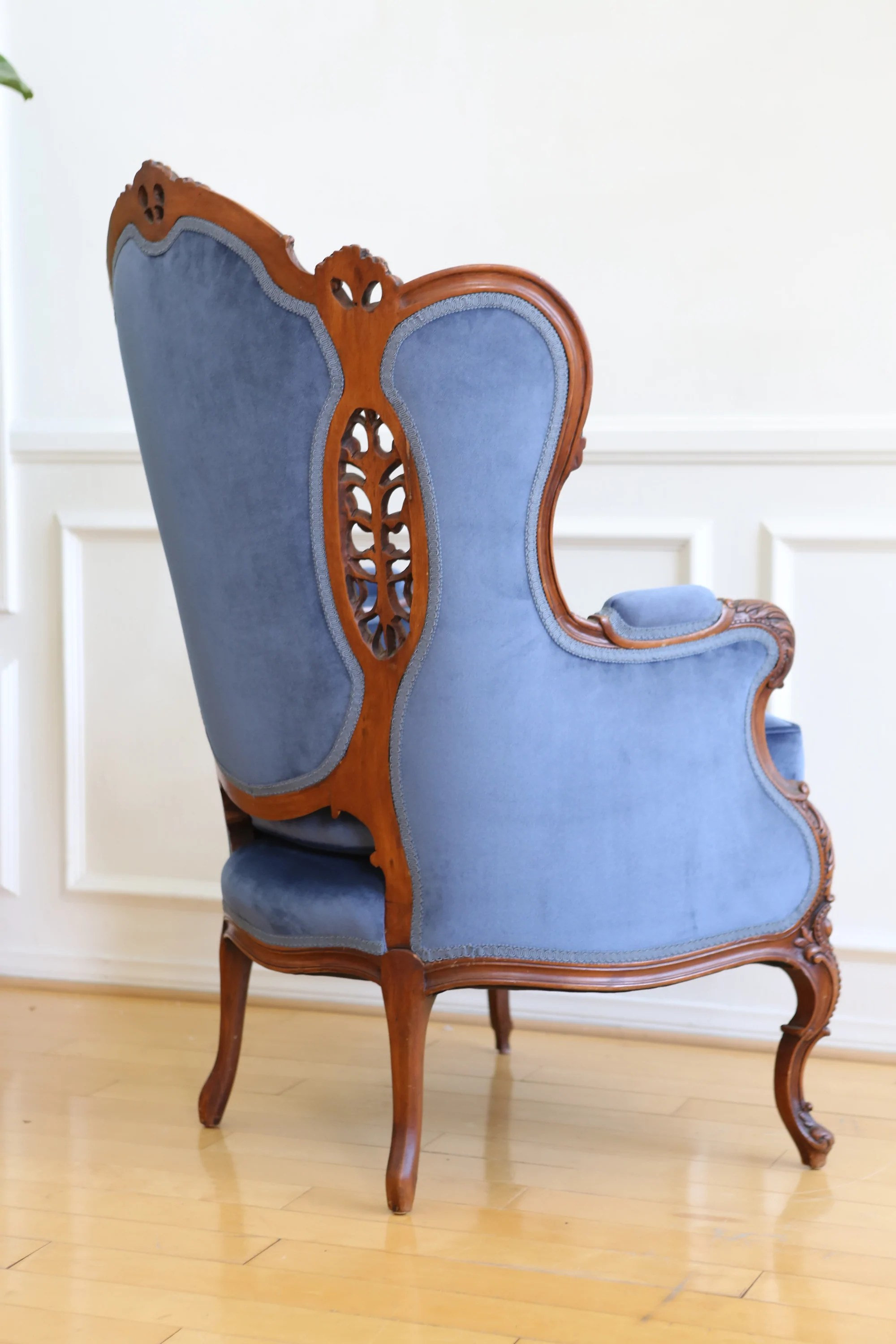 Blue Velvet Wingback Chair Inspirational Blue Velvet Wingback Chair Rtty1