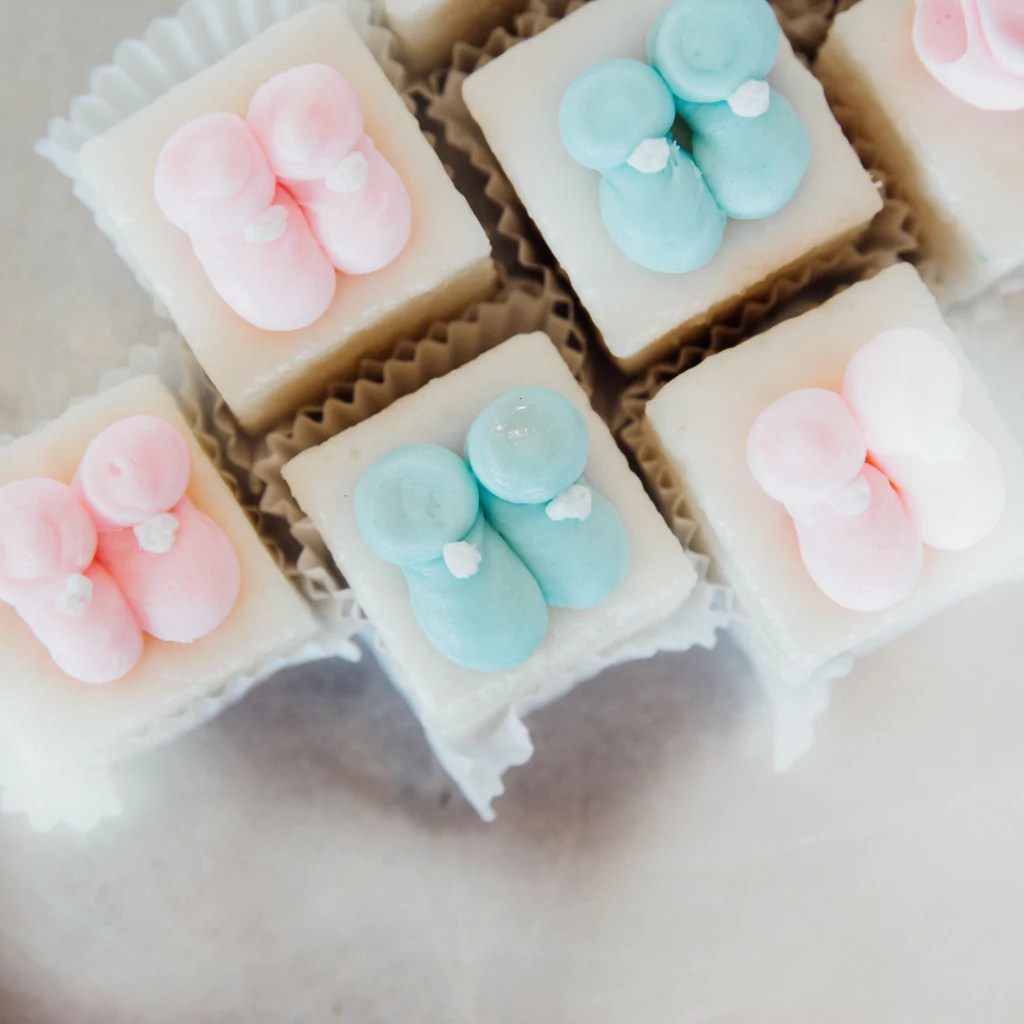 Baby Shower Petit Fours