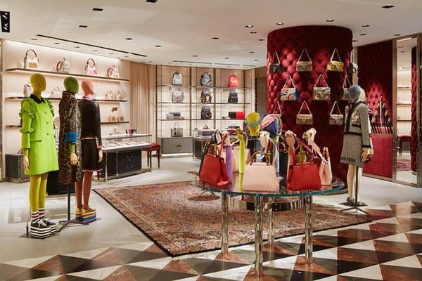 Experts Offer Their 10 Top Tips To Amp Up Your Visual Merchandising Customer Experience