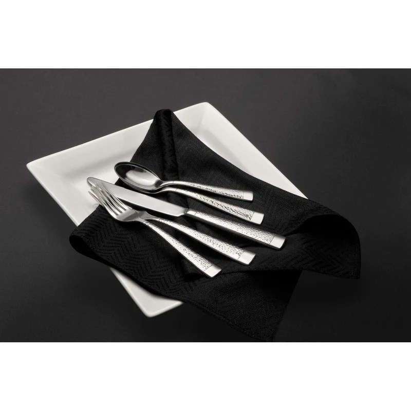 Oneida 65-Piece Flatware Set