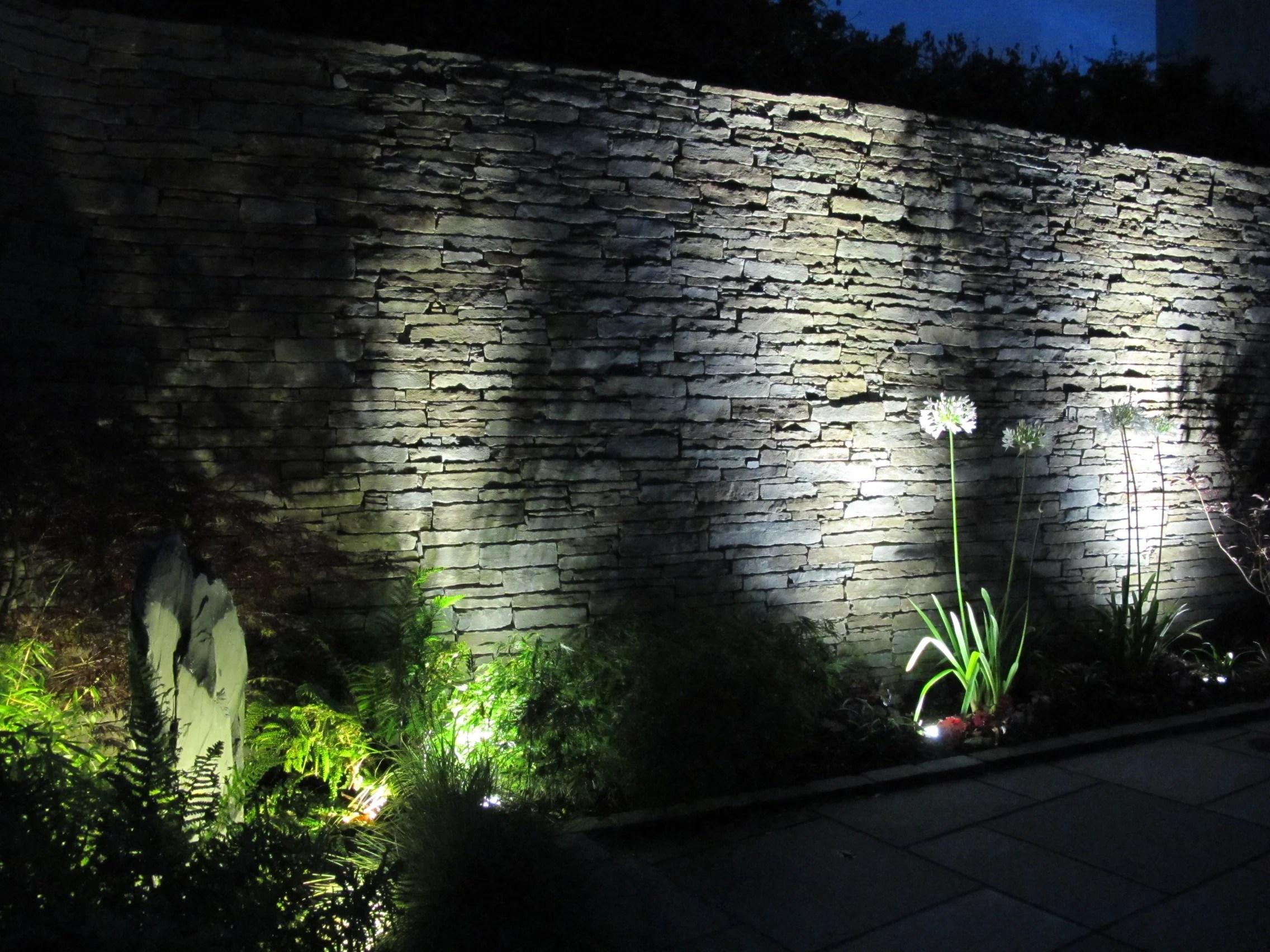 garden lighting a quick guide [ 2272 x 1704 Pixel ]