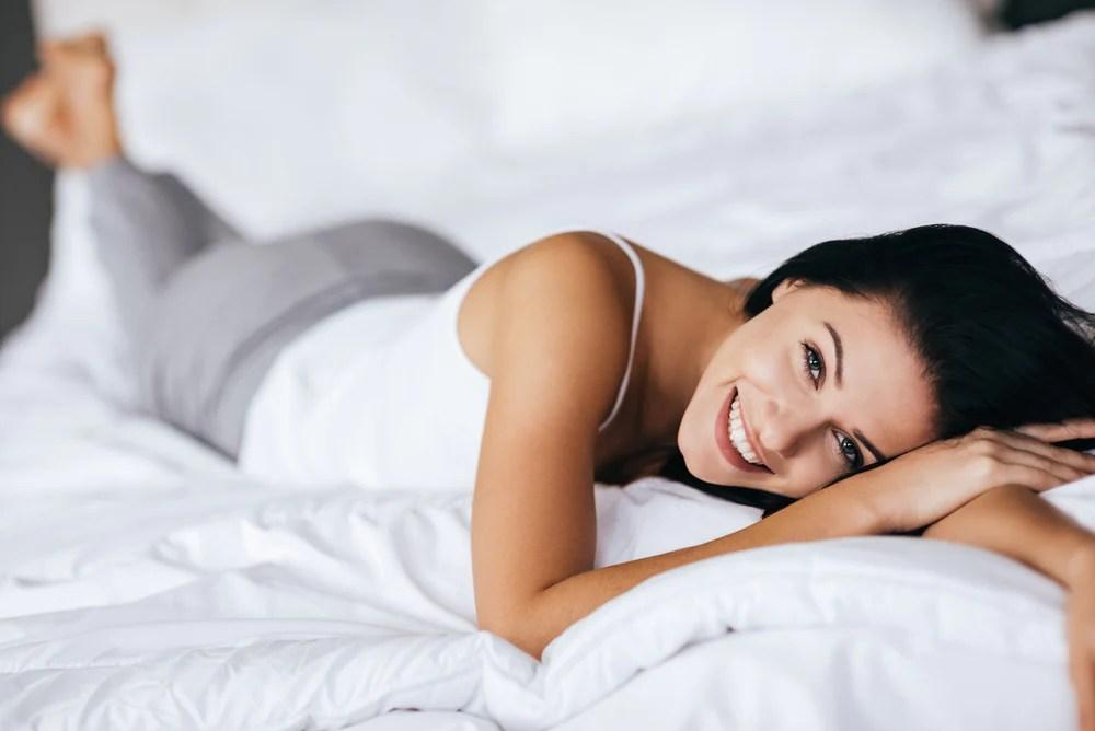 The Pros & Cons of Sleeping Naked – Eight Sleep