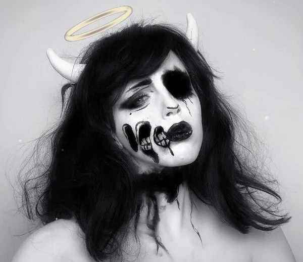 Black And White Face Alice Angel Inspired Makeup By Grimm Huneke Halloweenmakeup