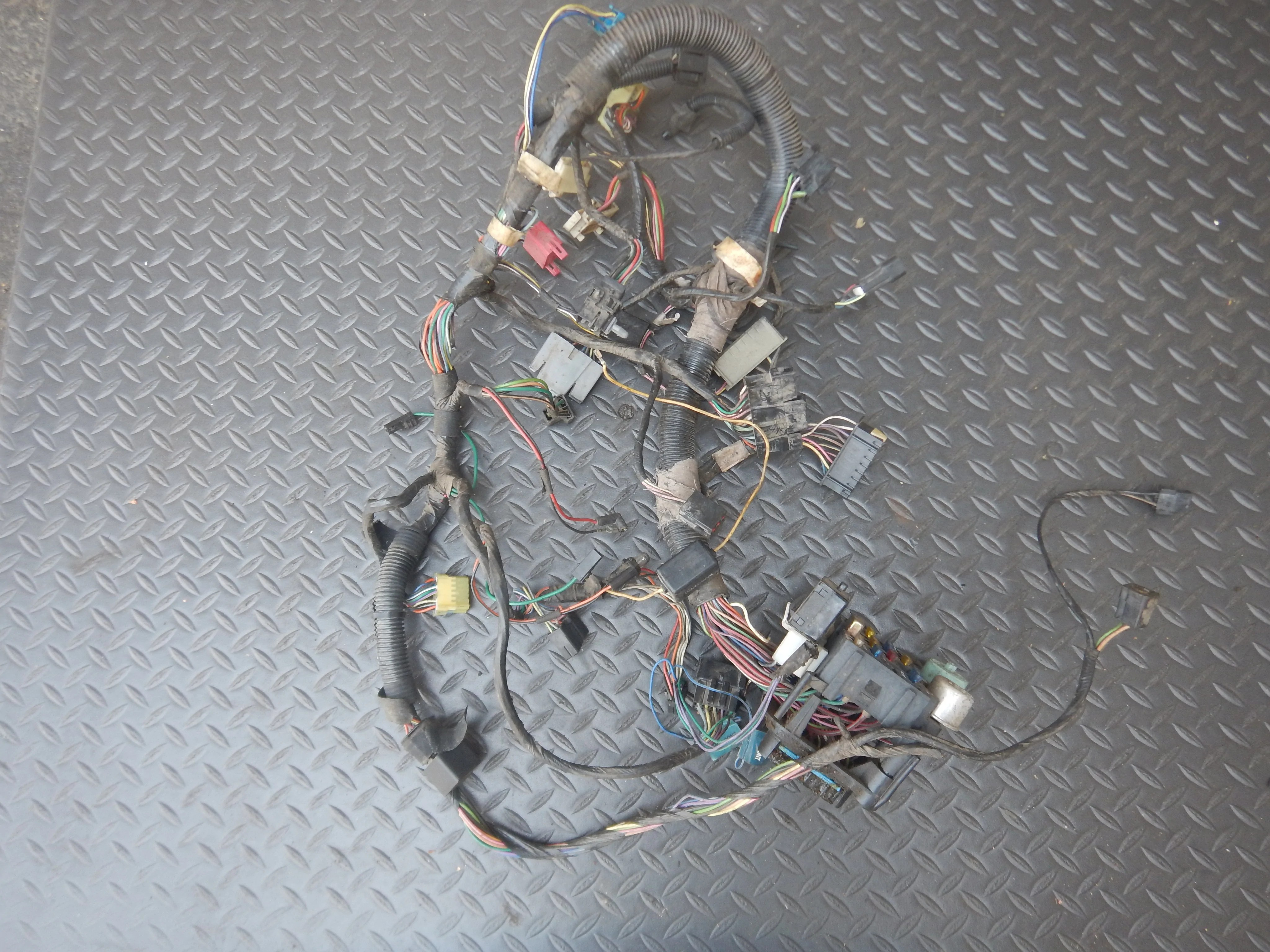 hight resolution of 92 95 wrangler yj dash wire harness best deals on used jeep parts 92 95 wrangler