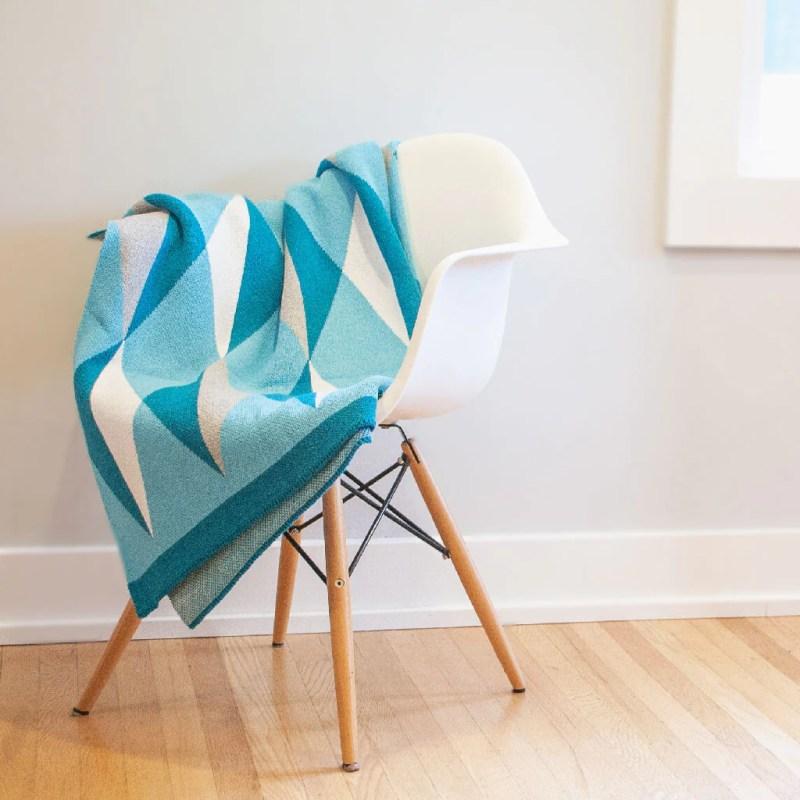 Seek & Swoon Hope Throw Blanket (Ovarian Cancer Awareness)