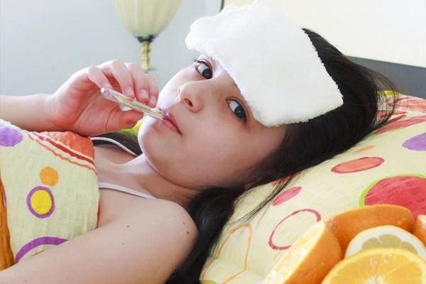 Cmo bajarle la fiebre a un nio  Prinsel