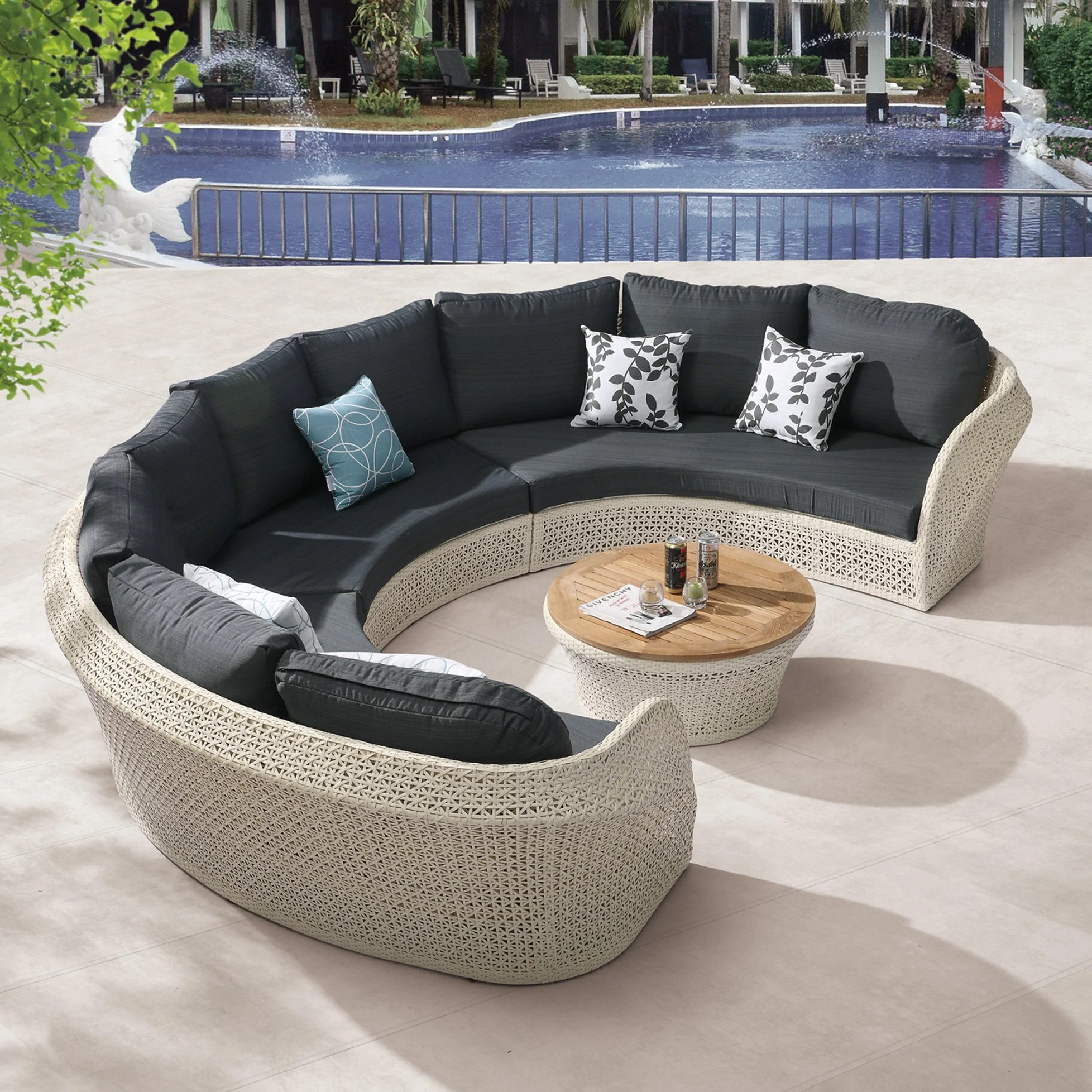 evian round sectional