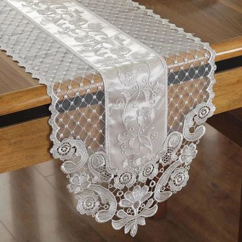 table cloths and runner