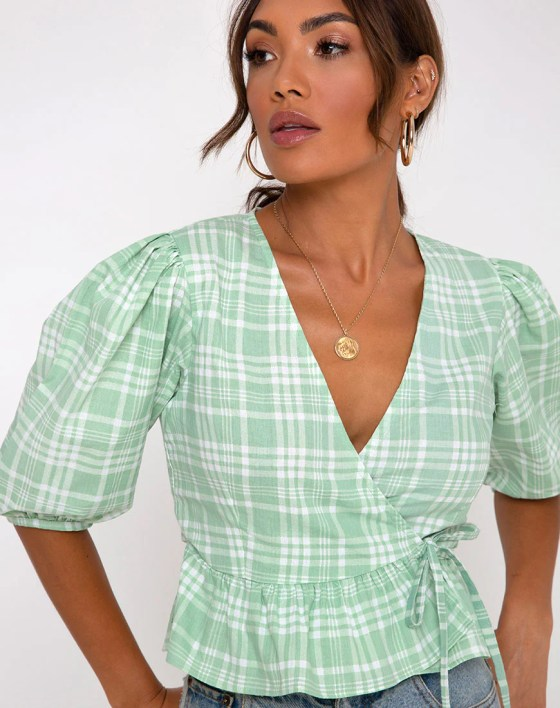 Amiya Top in Table Cloth Neo Mint by Motel 5