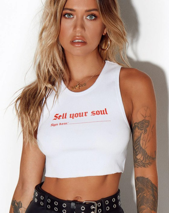 Givas Top ''Sell Your Soul'' in White by Motel 1