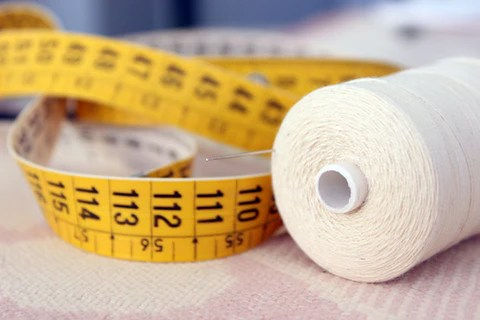 Using measuring tape to find the right sized weighted blanket also how heavy should  be rh sensacalm