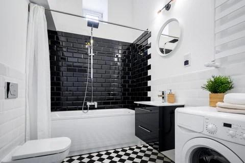https roomtorooms com blogs news black and white subway tiles bathroom design