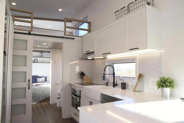 10 5 X 36 5 Magnolia Tiny Home On Wheels By