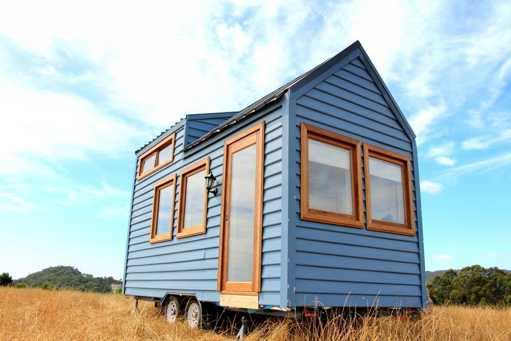 18 Colonial Blue Tiny House On Wheels By Wagonhaus Co