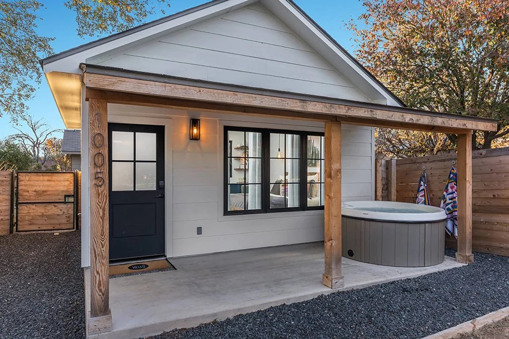20 Tiny Houses In Texas You Can Rent On Airbnb In 2020