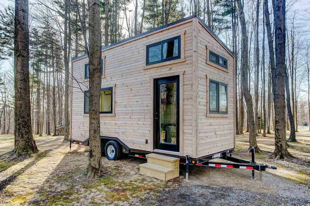Beautiful Handcrafted Mohican Tiny House On Wheels By