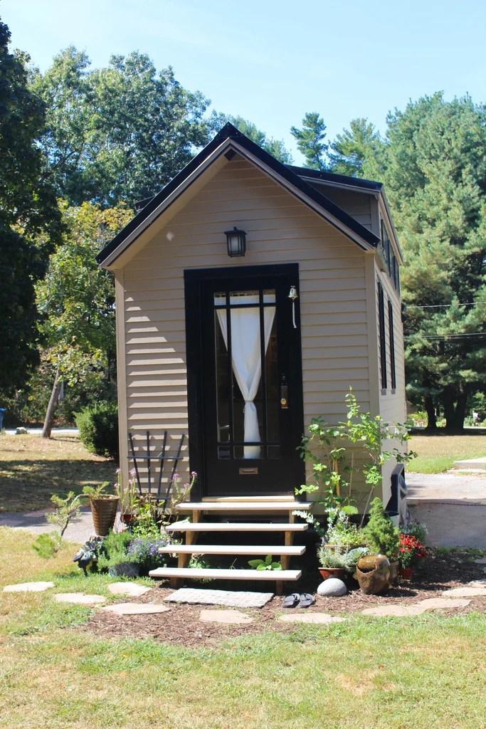 160 Sqft Tiny Hall House Diy Tiny House In New England