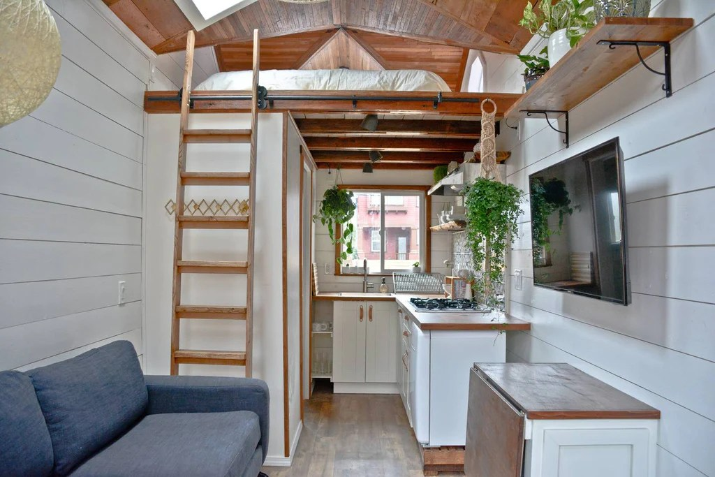 20 Tiny Houses In Oregon You Can Rent On Airbnb Today