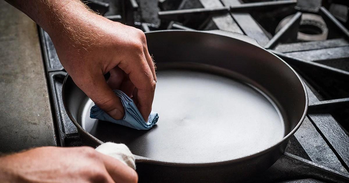 cast iron seasoning step