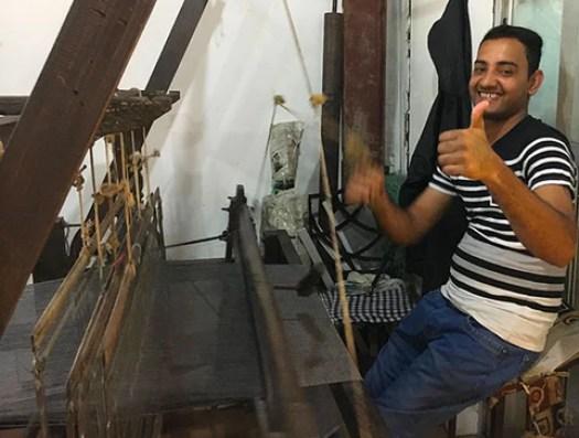 Thumbs up on the loom, Nepal