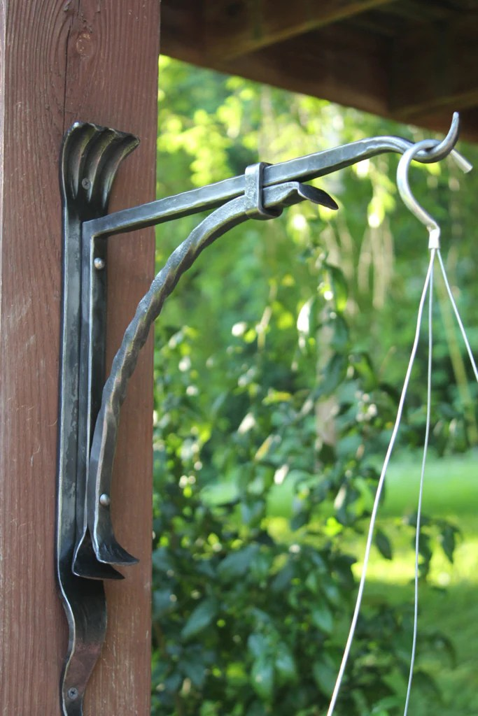 Plant Hanger Decorative Iron WallMounted Plant Bracket