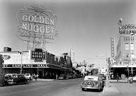 (Texas Hold'em came to 日e Las Vegas casino 日e Gold Nugget in 日e early 1960's)