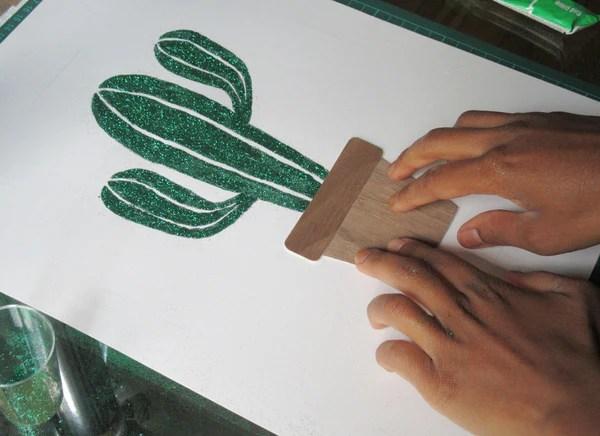 Collage du montage bois-papier (étape 3)