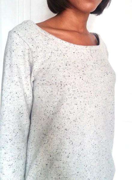 """Couture d'un sweat """"Octobre"""" gris"""